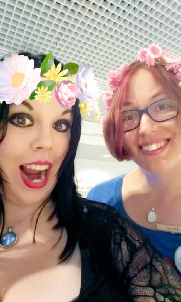 Edustavat edustajat Vampirelady & douv